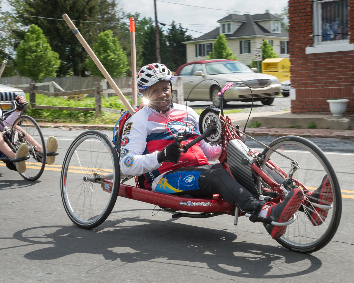 An adaptive hand cyclist in Face of America
